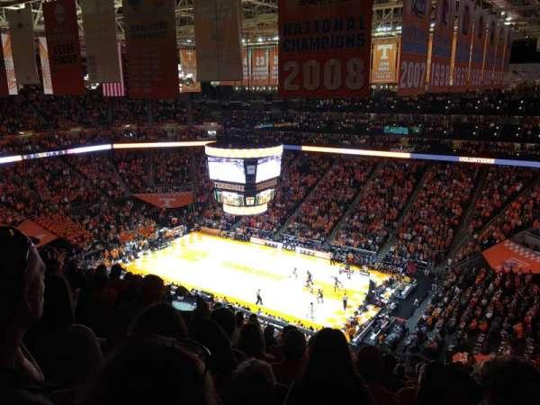Thompson-Boling Arena, sección: 217, fila: 15, asiento: 5