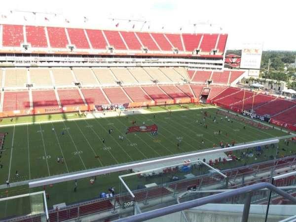 Raymond James Stadium, sección: 307, fila: E, asiento: 24