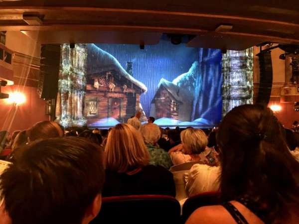 St. James Theatre, sección: ORCHL, fila: P, asiento: 15
