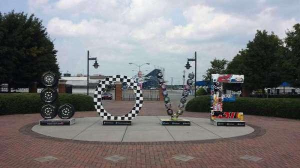 Richmond International Raceway, sección: Entrance