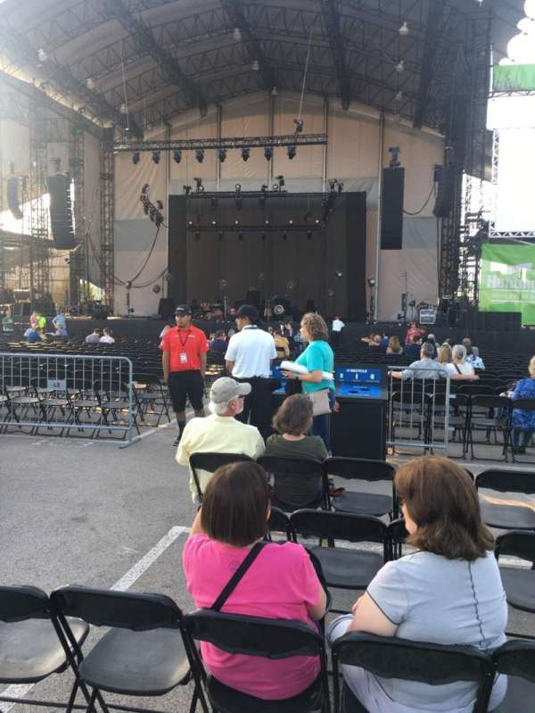 Huntington Bank Pavilion at Northerly Island, sección: 203, fila: F, asiento: 14