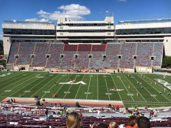 Lane Stadium, sección: 9, fila: UUU, asiento: 24