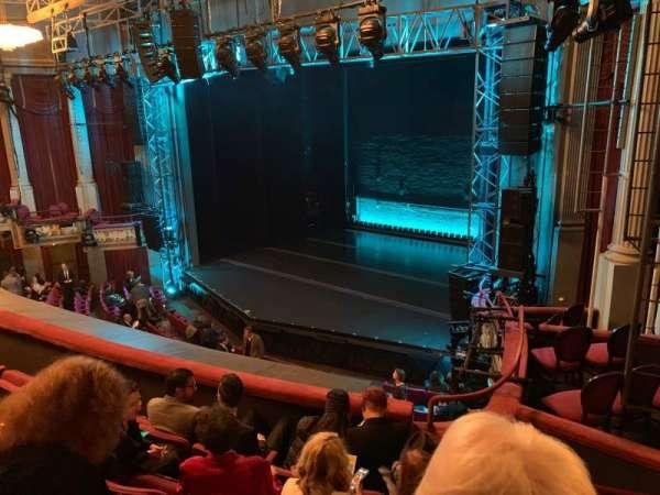 Broadhurst Theatre, sección: Mezzanine R, fila: E, asiento: 26
