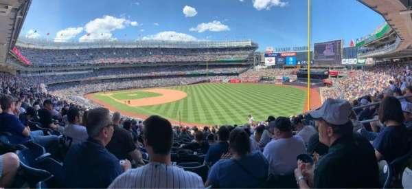 Yankee Stadium, sección: 210, fila: 16, asiento: 6