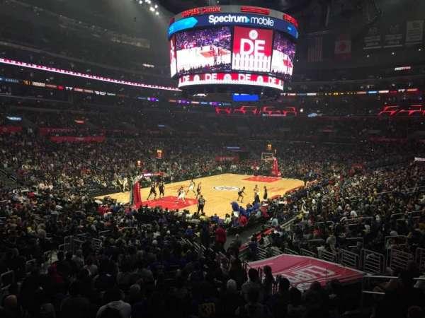 Staples Center, sección: 205, fila: 1, asiento: 5