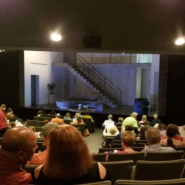 Laura Pels Theatre, sección: Orch, fila: Q, asiento: 6