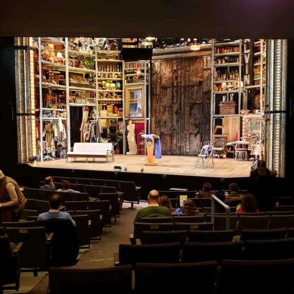 Laura Pels Theatre, sección: Orch, fila: O, asiento: 8