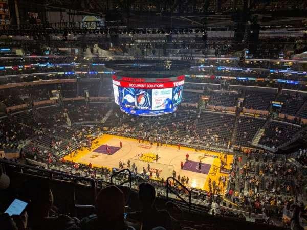 Staples Center, sección: 333, fila: 8, asiento: 15