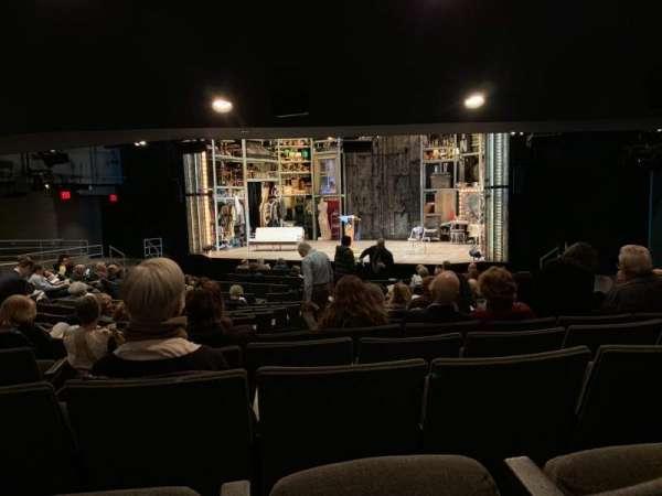 Laura Pels Theatre, sección: Orchestra, fila: Q, asiento: 8