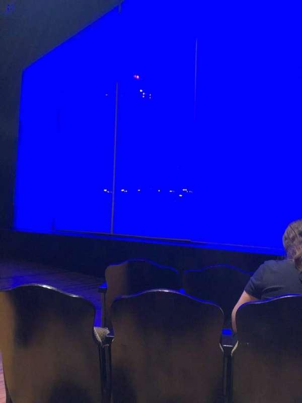 Studio 54, sección: Orchestra R, fila: C, asiento: 6