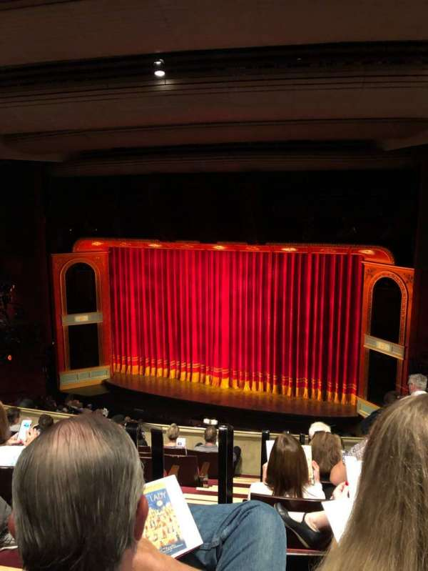 Marquis Theatre, sección: Mezzanine R, fila: H, asiento: 4