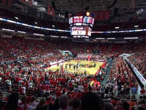 PNC Arena, sección: 125, fila: W, asiento: 7