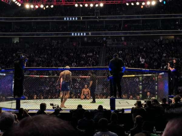 T-Mobile Arena, sección: 16, fila: CC, asiento: 3