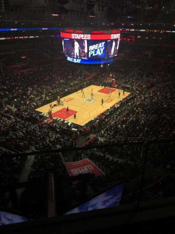 Staples Center, sección: 306, fila: 1, asiento: 6