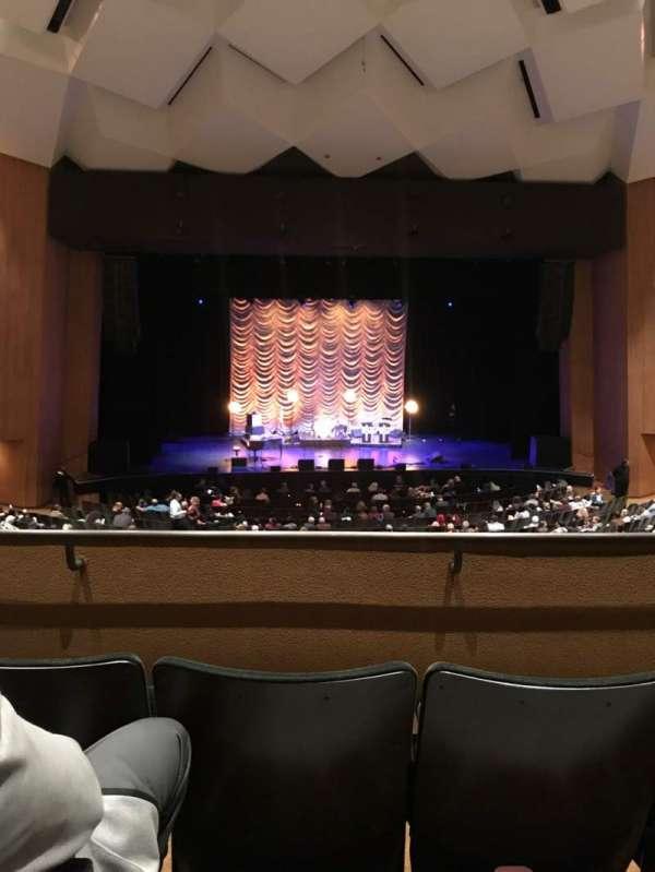 Terrace Theater, sección: Loge 4, fila: 3, asiento: 6