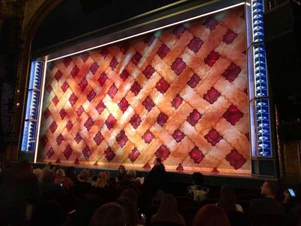 Brooks Atkinson Theatre, sección: ORCHR, fila: G, asiento: 10
