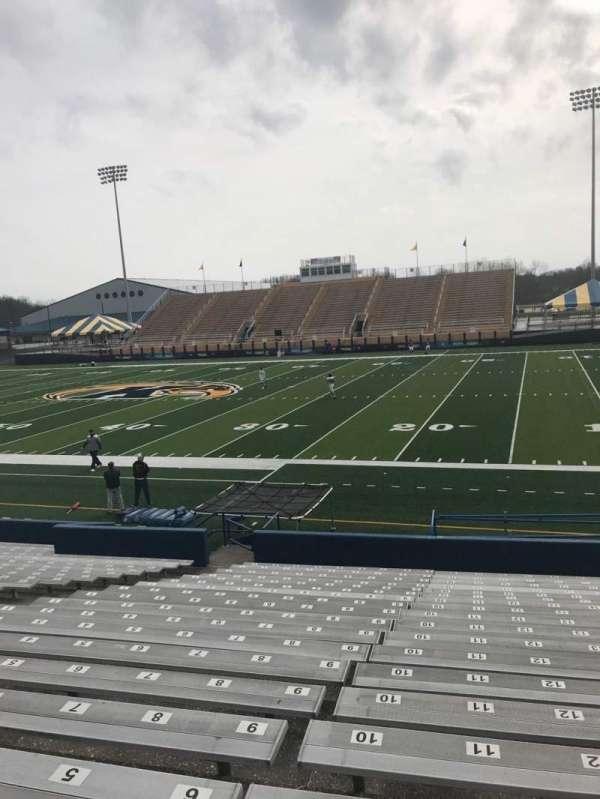 Dix Stadium, sección: 2, fila: 4, asiento: 8
