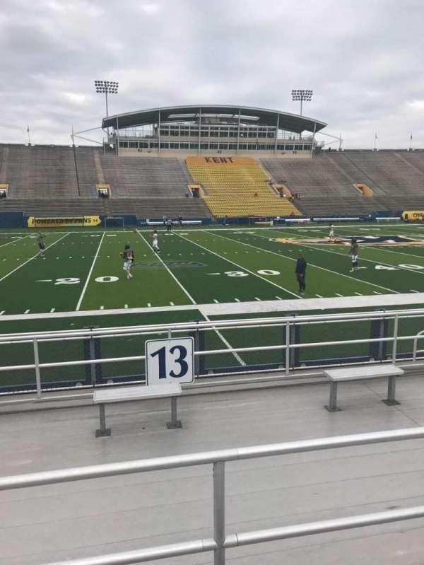 Dix Stadium, sección: 13, fila: C, asiento: 12