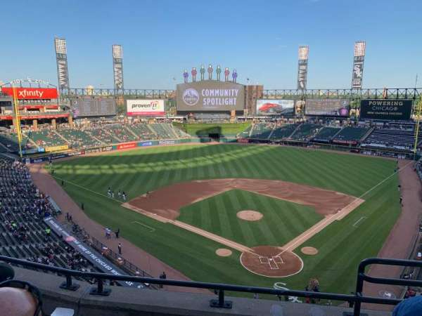 Guaranteed Rate Field, sección: 534, fila: 3, asiento: 1