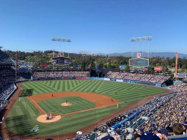 Dodger Stadium, sección: 4RS, fila: J, asiento: 21