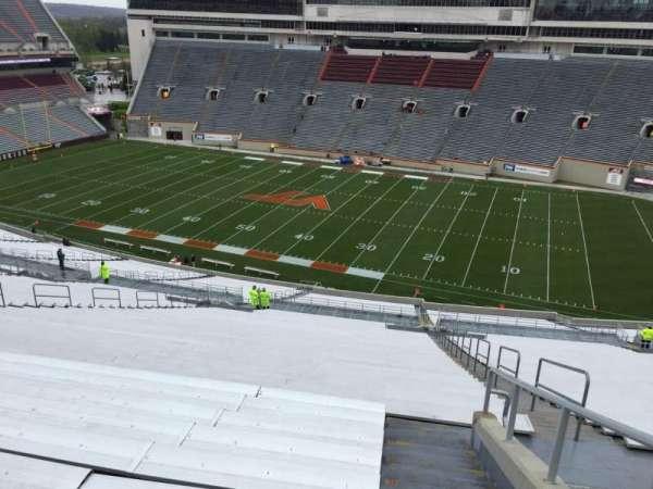 Lane Stadium, sección: 25, fila: 4J, asiento: 7