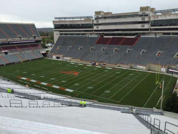 Lane Stadium, sección: 21, fila: 4K, asiento: 7