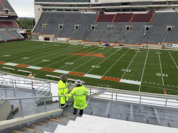 Lane Stadium, sección: 7, fila: RR, asiento: 12