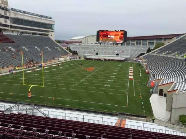 Lane Stadium, sección: 203, fila: N, asiento: 12