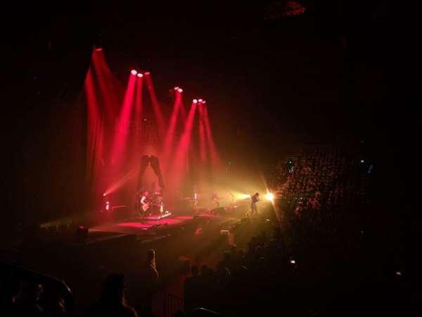 Budweiser Events Center, sección: R, fila: 8, asiento: 13