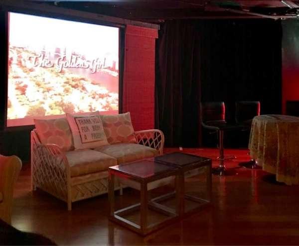 Cavern Club Celebrity Theater at Casita Del Campo, sección: GA, fila: 2, asiento: 1