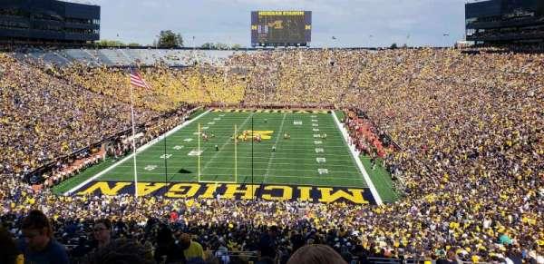 Michigan Stadium, sección: 11, fila: 88, asiento: 13