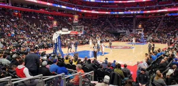 Little Caesars Arena, sección: 126, fila: 1, asiento: 4