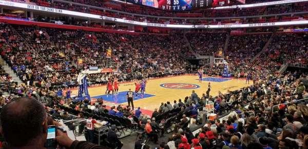 Little Caesars Arena, sección: 126, fila: 10, asiento: 5