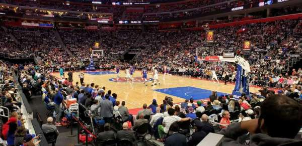 Little Caesars Arena, sección: 118, fila: 3, asiento: 4