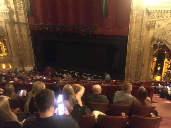 Chicago Theatre, sección: Balcony2R, fila: K, asiento: 220