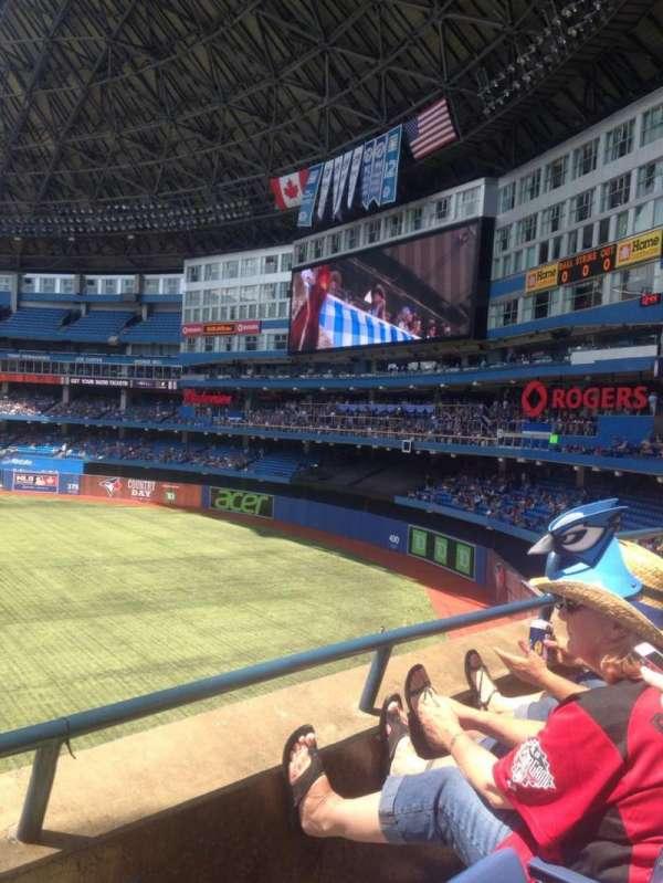 Rogers Centre, sección: 209L, fila: 2, asiento: 105