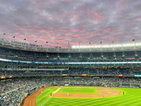 Yankee Stadium, sección: 206, fila: 10, asiento: 1