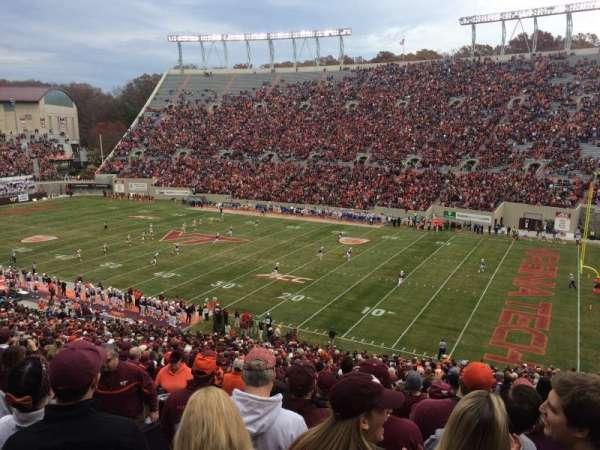 Lane Stadium, sección: 18, fila: HHH, asiento: 18