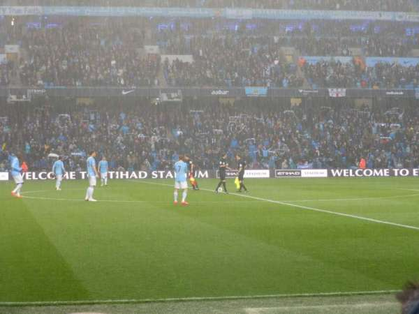 Etihad Stadium (Manchester), sección: 127, fila: E, asiento: 743