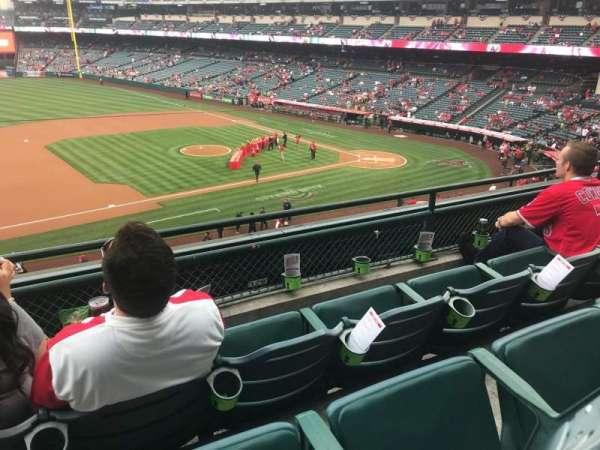 Angel Stadium, sección: C316, fila: C, asiento: 1