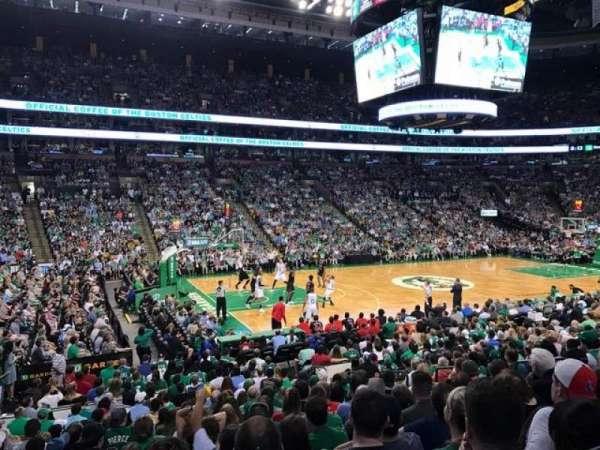 TD Garden, sección: Loge 3, fila: 15W, asiento: 9