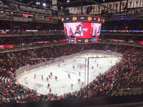 United Center, sección: 305, fila: 1, asiento: 18