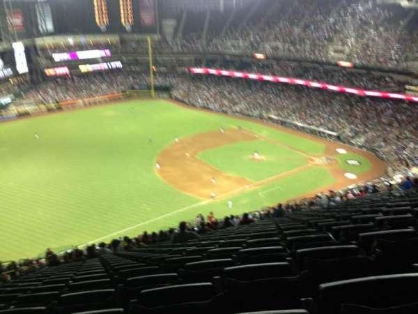 Chase Field, sección: 327, fila: 40, asiento: 16