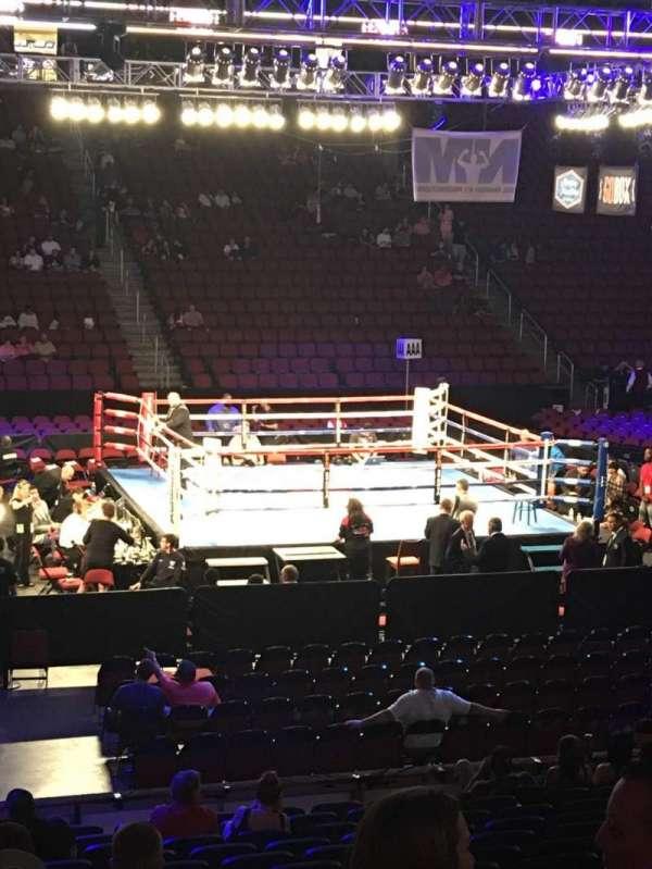 Gila River Arena, sección: 101, fila: O, asiento: 15