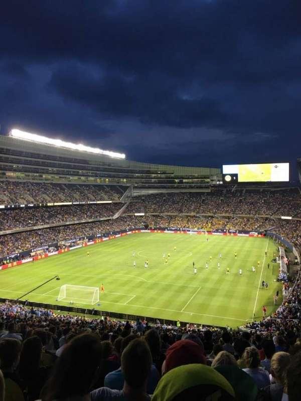 Soldier Field, sección: 349, fila: 9, asiento: 10