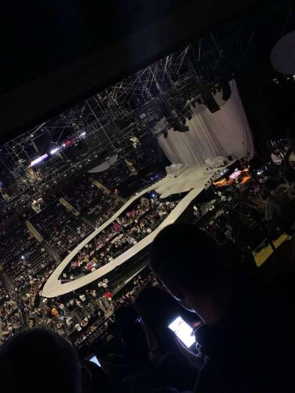 Nassau Veterans Memorial Coliseum, sección: 203, fila: 12, asiento: 4
