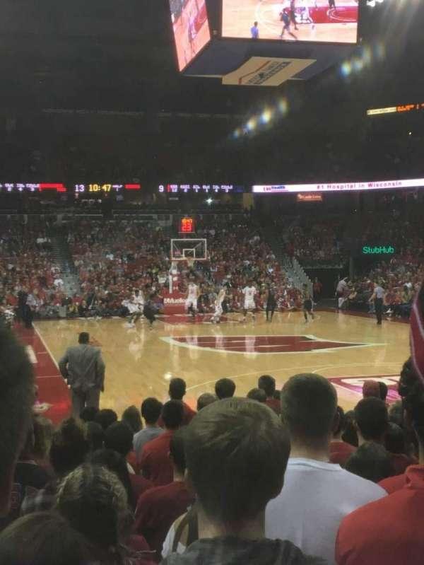 Kohl Center, sección: 116, fila: KK, asiento: 9