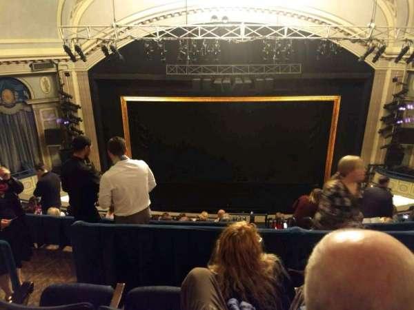 Ambassador Theatre, sección: Rear Mezzanine RC, fila: C, asiento: 106