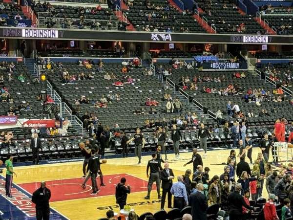 Capital One Arena, sección: 120, fila: O, asiento: 14