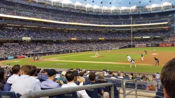 Yankee Stadium, sección: 114B, fila: 17, asiento: 16